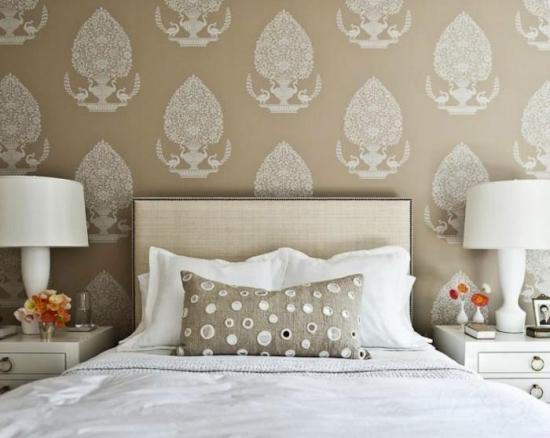 Model-clasic-de-tapet-pentru-dormitor-din-vinil
