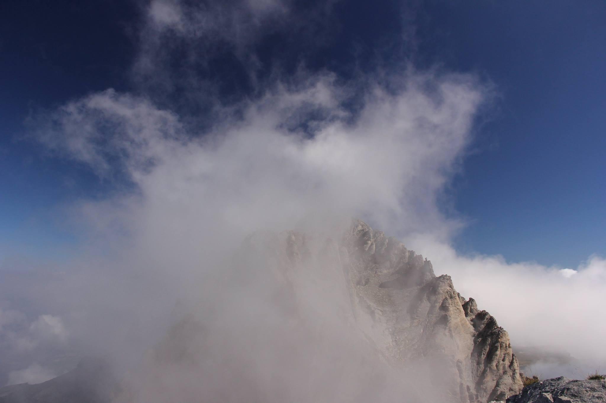 Varful Mytikas in ceata